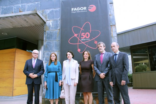 The Minister of Labor, Migration and Social Security visits FAGOR ELECTRÓNICA